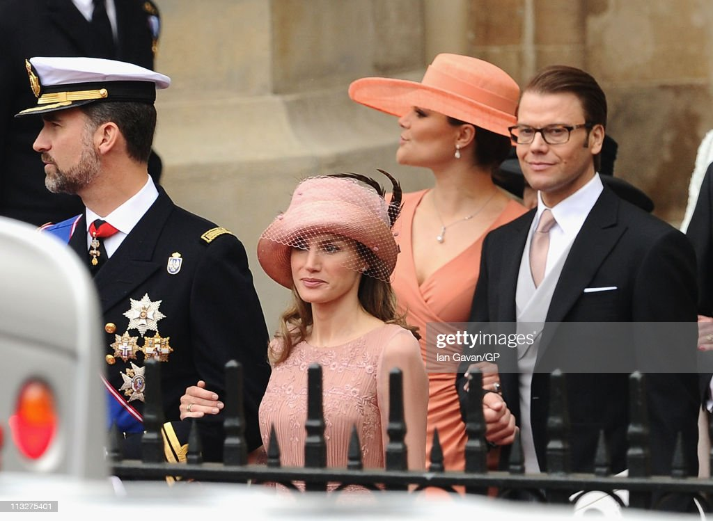 prince-felipe-of-spain-princess-letizia-of-spain-princess-victoria-of-picture-id113275401