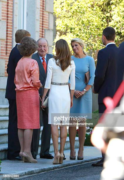 Prince Felipe of Spain Princess Letizia of Spain Queen Sofia of Spain King Juan Carlos of Spain and Princess Elena of Spain receive the visiting King...