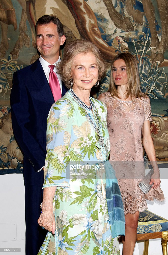 Prince Felipe of Spain, Queen Sofia of Spain and Princess Letizia of Spain attend an official dinner at Almudaina Palace on August 8, 2012 in Palma de Mallorca, Spain.