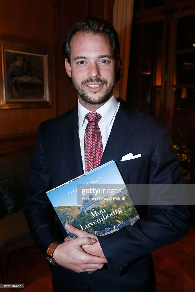 prince-felix-de-luxembourg-attends-stephane-bern-signs-his-book-mon-picture-id622104456