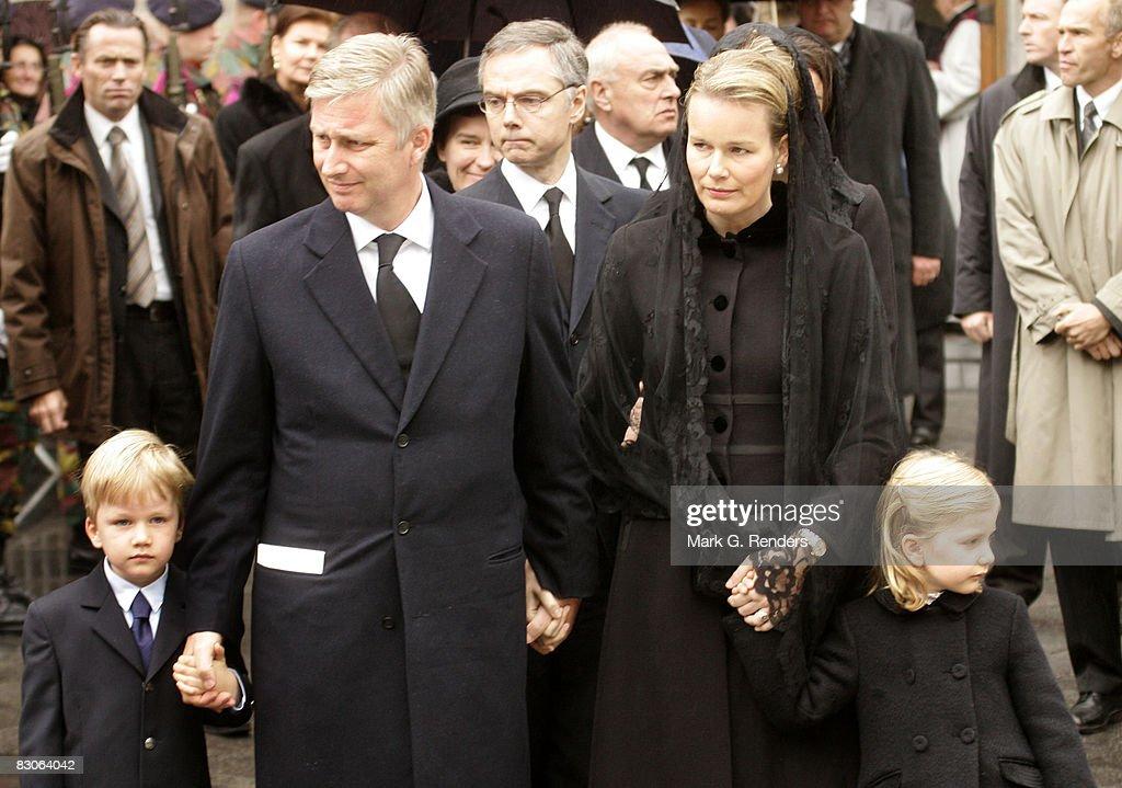 Prince Gabriel, Prince Philippe, Princess Mathilde and Princess Elisabeth of Belgium attend the funeral of Patrick d'Udekem d'Acoz, Princess Mathilde's Father at Saint Pierre Church on September 30, 2008 in Bastogne, Belgium.