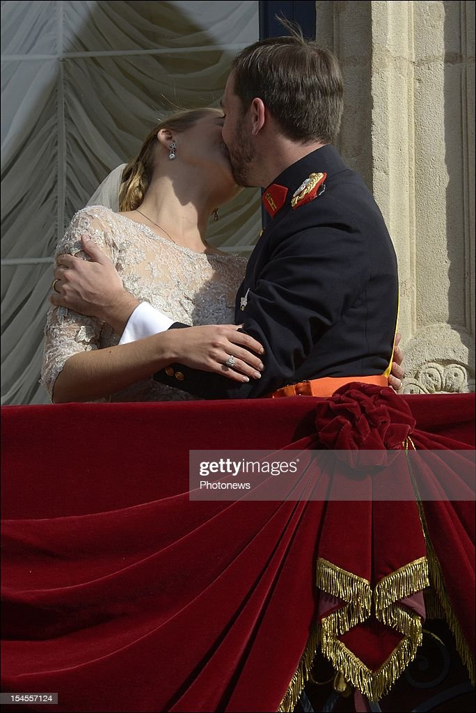 Prince Guillaume Of Luxembourg (R) and Princess Stephanie of Luxembourg kiss on the balcony of the Grand-Ducal Palace after the wedding ceremony of Prince Guillaume Of Luxembourg and Stephanie de Lannoy at the Cathedral of our Lady of Luxembourg on October 20, 2012 in Luxembourg. The 30-year-old hereditary Grand Duke of Luxembourg is the last hereditary Prince in Europe to get married, marrying his 28-year old Belgian Countess bride in a lavish 2-day ceremony.