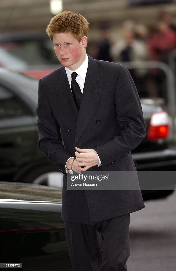 <a gi-track='captionPersonalityLinkClicked' href=/galleries/search?phrase=Prince+Harry&family=editorial&specificpeople=178173 ng-click='$event.stopPropagation()'>Prince Harry</a> at Princess Margaret's memorial service at Westminster Abbey, London on April 19th, 2002