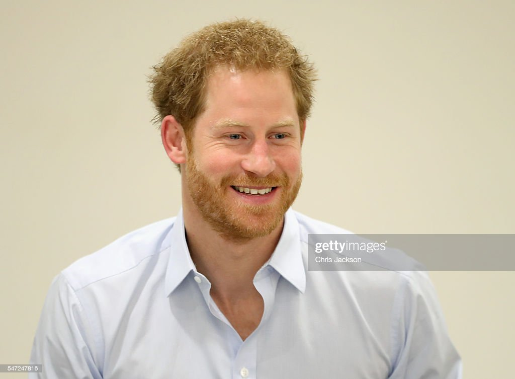 prince-harry-chats-with-staff-as-visits-burrell-street-sexual-health-picture-id547247816