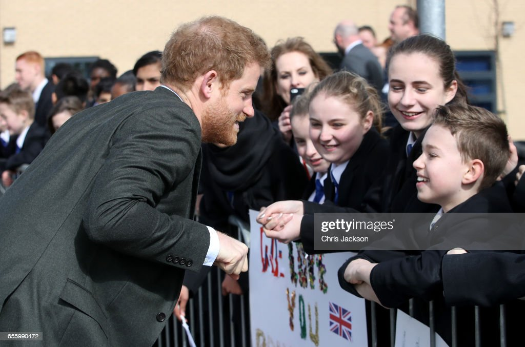 prince-harry-meets-school-children-during-a-visit-to-hamilton-college-picture-id655990472