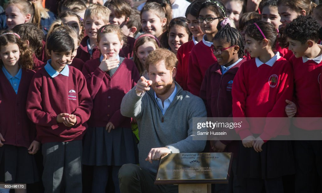 prince-harry-poses-with-school-children-during-a-visit-to-epping-to-picture-id653496170