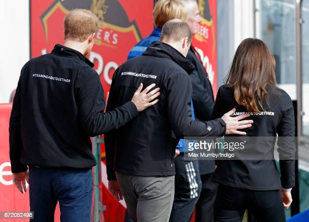 Prince Harry Prince William Duke of Cambridge and Catherine Duchess of Cambridge attend the start of the 2017 Virgin Money London Marathon on April...