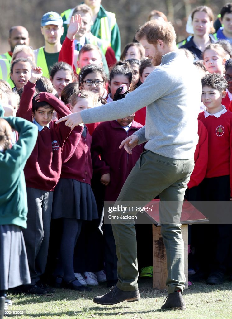 prince-harry-speaks-with-school-children-during-a-visit-to-epping-to-picture-id653493662