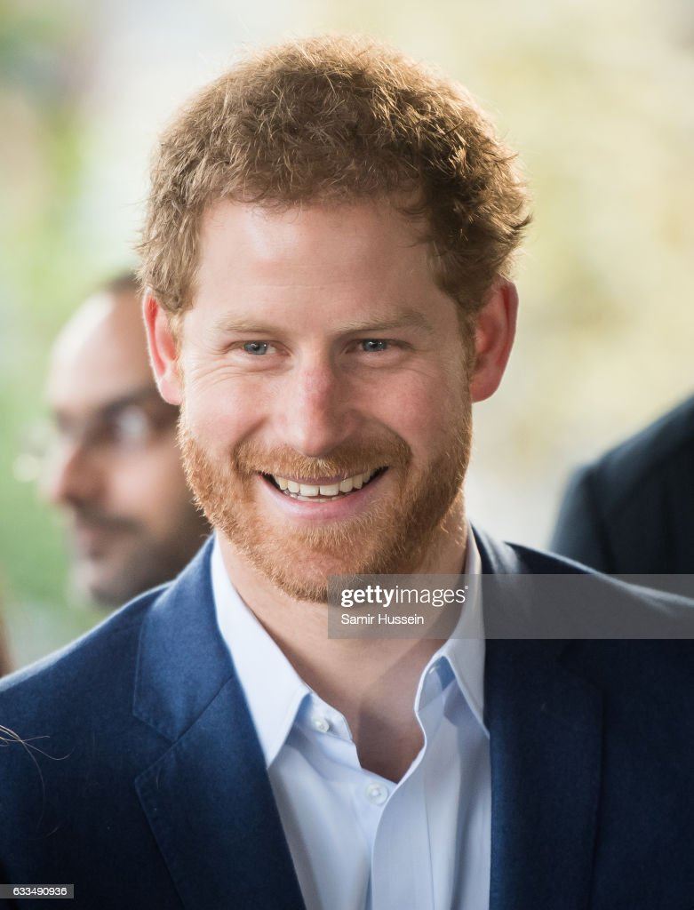 prince-harry-visits-the-london-ambulance-service-for-the-heads-in-picture-id633490936