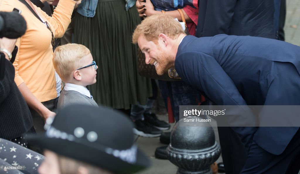 prince-harry-visits-the-newly-established-royal-foundation-community-picture-id842939302