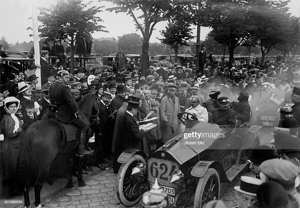 prince heinrich tour automobile contest in berlin fritz erle winner pictures getty images. Black Bedroom Furniture Sets. Home Design Ideas