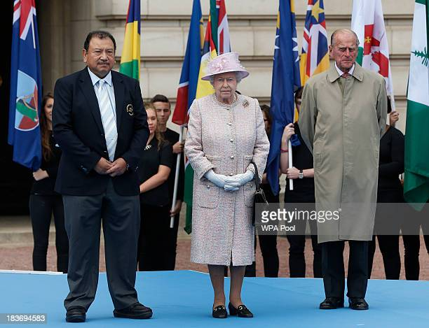 Prince Imran President of the Commonwealth Games Federation Queen Elizabeth II and Prince Philip Duke of Edinburgh attend the 2014 Glasgow...