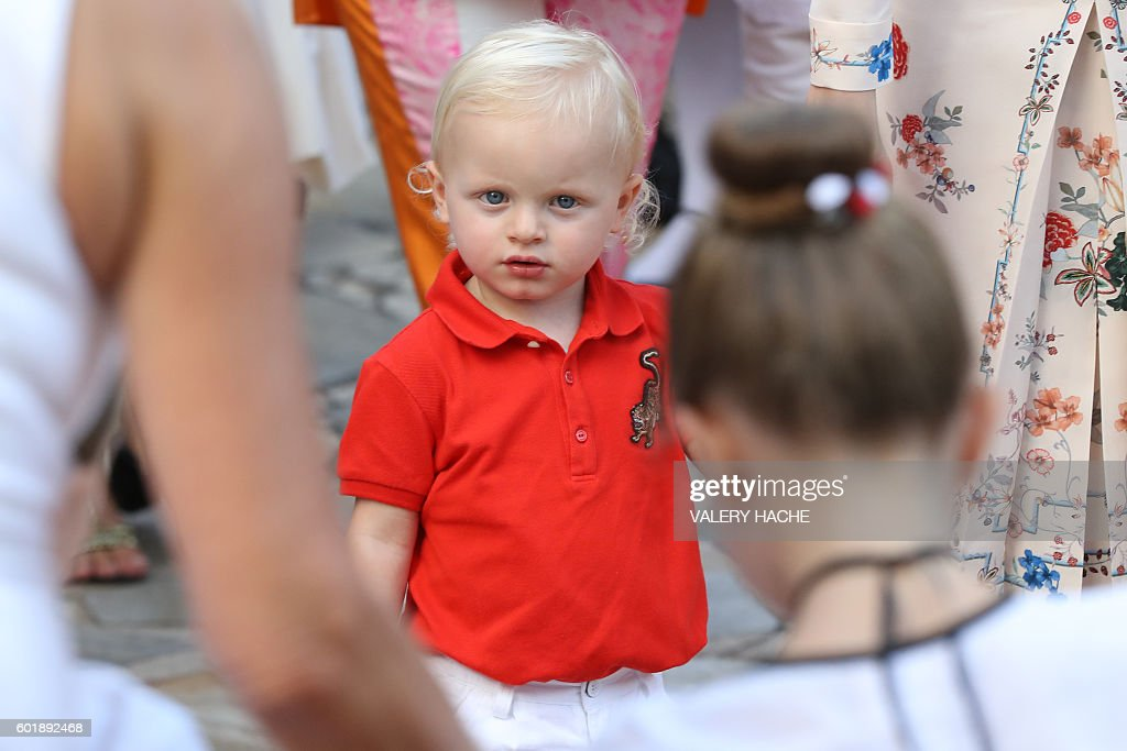Prince Jacques, the heir apparent to the Monegasque throne gestures during the traditional Monaco's picnic, on September 10, 2015 at Monaco. / AFP / POOL / VALERY