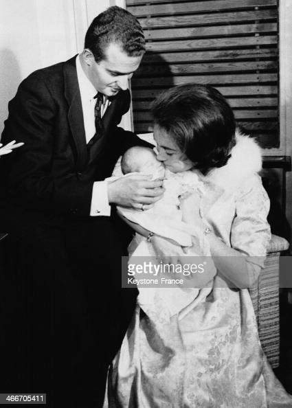 Prince Juan Carlos of Spain his wife Princess Sofia of Greece with their first daughter Princess Elena in December 1963 in Madrid Spain