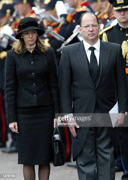 Prince Kardam and his wife Princess Miriam of Tirnovo bow to the Dutch Royal Standard after the funeral ceremony of Prince Claus of the Netherlands...