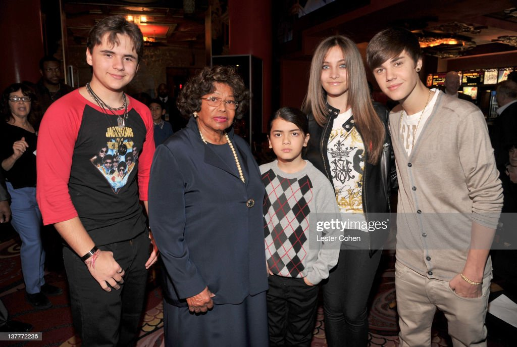 Prince Michael Jackson, <a gi-track='captionPersonalityLinkClicked' href=/galleries/search?phrase=Katherine+Jackson&family=editorial&specificpeople=201779 ng-click='$event.stopPropagation()'>Katherine Jackson</a>, Blanket Jackson, <a gi-track='captionPersonalityLinkClicked' href=/galleries/search?phrase=Paris+Jackson+-+Actress&family=editorial&specificpeople=2208441 ng-click='$event.stopPropagation()'>Paris Jackson</a>, and <a gi-track='captionPersonalityLinkClicked' href=/galleries/search?phrase=Justin+Bieber&family=editorial&specificpeople=5780923 ng-click='$event.stopPropagation()'>Justin Bieber</a> attend the immortalization of Michael Jackson at Grauman's Chinese Theatre Hand & Footprint ceremony held at Grauman's Chinese Theatre on January 26, 2012 in Los Angeles, California.