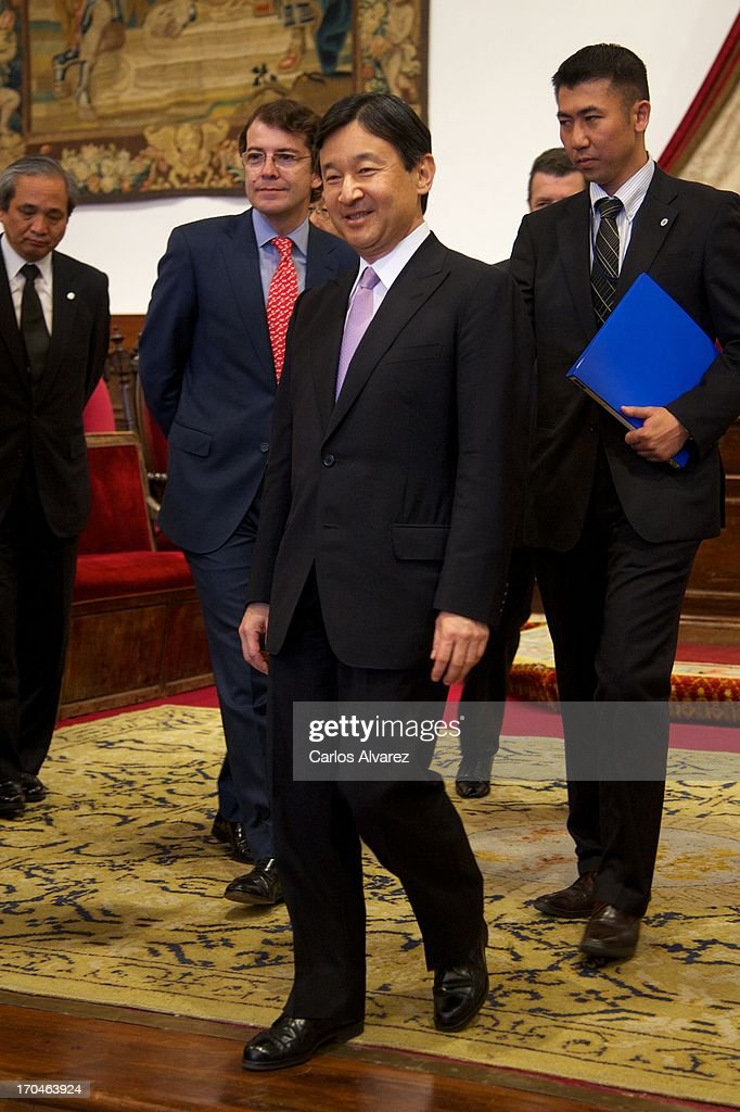 Prince Naruhito of Japan (C) visits the Salamanca University during the fourth day of his visit to Spain on June 13, 2013 in Salamanca, Spain. Japanese <a gi-track='captionPersonalityLinkClicked' href=/galleries/search?phrase=Crown+Prince+Naruhito&family=editorial&specificpeople=158365 ng-click='$event.stopPropagation()'>Crown Prince Naruhito</a> is on a six-day official visit to Spain to mark the 400th anniversary of bilateral ties between the nations.
