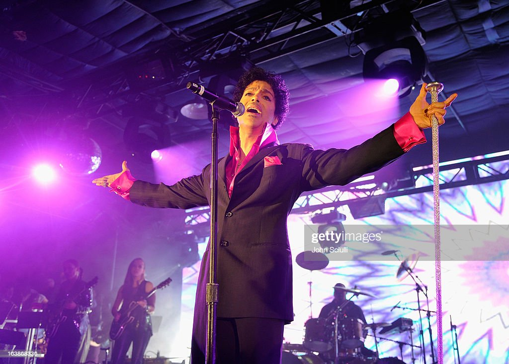 <a gi-track='captionPersonalityLinkClicked' href=/galleries/search?phrase=Prince+-+Musician&family=editorial&specificpeople=203048 ng-click='$event.stopPropagation()'>Prince</a> performs as Samsung Galaxy presents <a gi-track='captionPersonalityLinkClicked' href=/galleries/search?phrase=Prince+-+Musician&family=editorial&specificpeople=203048 ng-click='$event.stopPropagation()'>Prince</a> and A Tribe Called Quest at SXSW on March 16, 2013 in Austin, Texas.