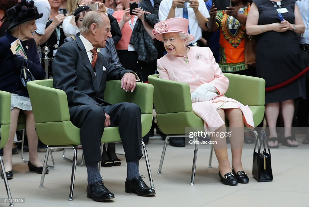 prince-philip-duke-of-edinburgh-and-queen-elizabeth-ii-visit-alder-picture-id542127320