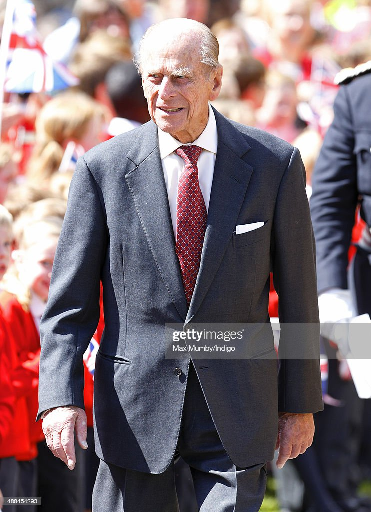 <a gi-track='captionPersonalityLinkClicked' href=/galleries/search?phrase=Prince+Philip&family=editorial&specificpeople=92394 ng-click='$event.stopPropagation()'>Prince Philip</a>, Duke of Edinburgh attends a service at Chelmsford Cathedral as part of the centenary celebrations of Chelmsford Diocese during day of engagements in Essex on May 6, 2014 in Chelmsford, England.