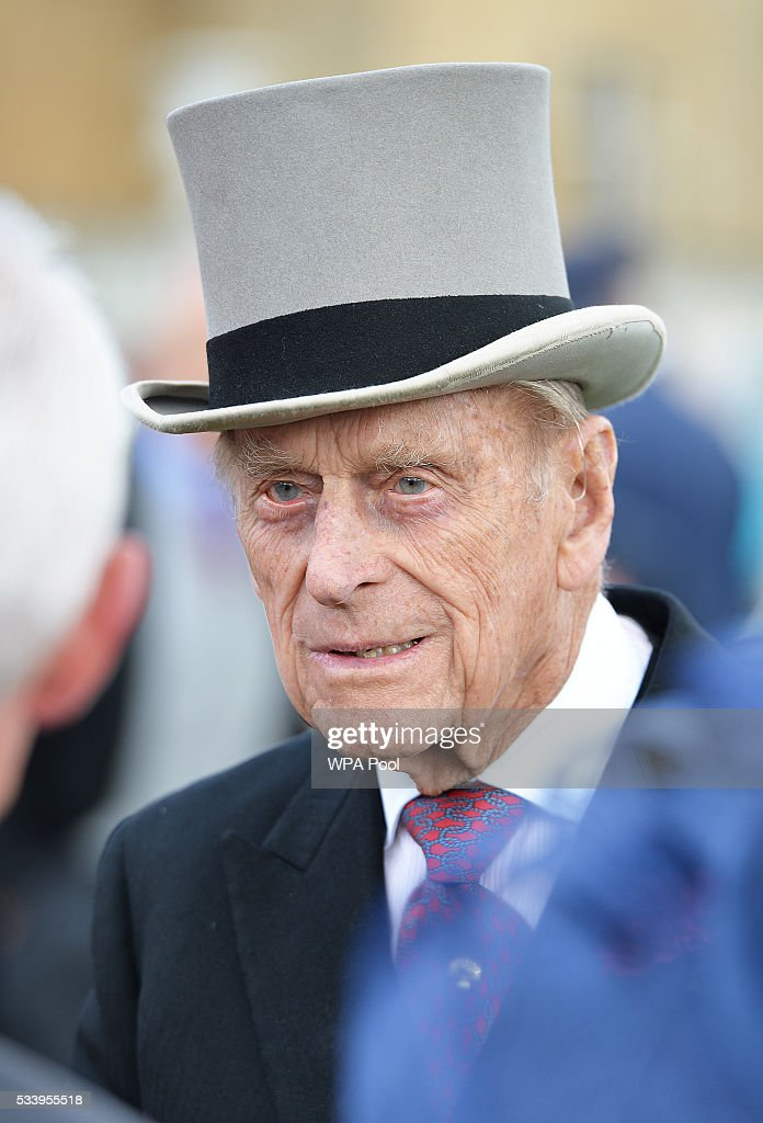 <a gi-track='captionPersonalityLinkClicked' href=/galleries/search?phrase=Prince+Philip&family=editorial&specificpeople=92394 ng-click='$event.stopPropagation()'>Prince Philip</a>, Duke of Edinburgh greets guests attending a garden party at Buckingham Palace on May 24, 2016 in London, England.