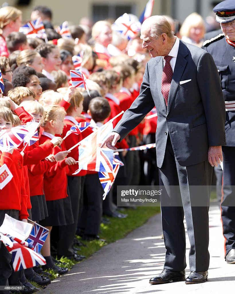 <a gi-track='captionPersonalityLinkClicked' href=/galleries/search?phrase=Prince+Philip&family=editorial&specificpeople=92394 ng-click='$event.stopPropagation()'>Prince Philip</a>, Duke of Edinburgh meets local school children after attending a service at Chelmsford Cathedral as part of the centenary celebrations of Chelmsford Diocese during day of engagements in Essex on May 6, 2014 in Chelmsford, England.