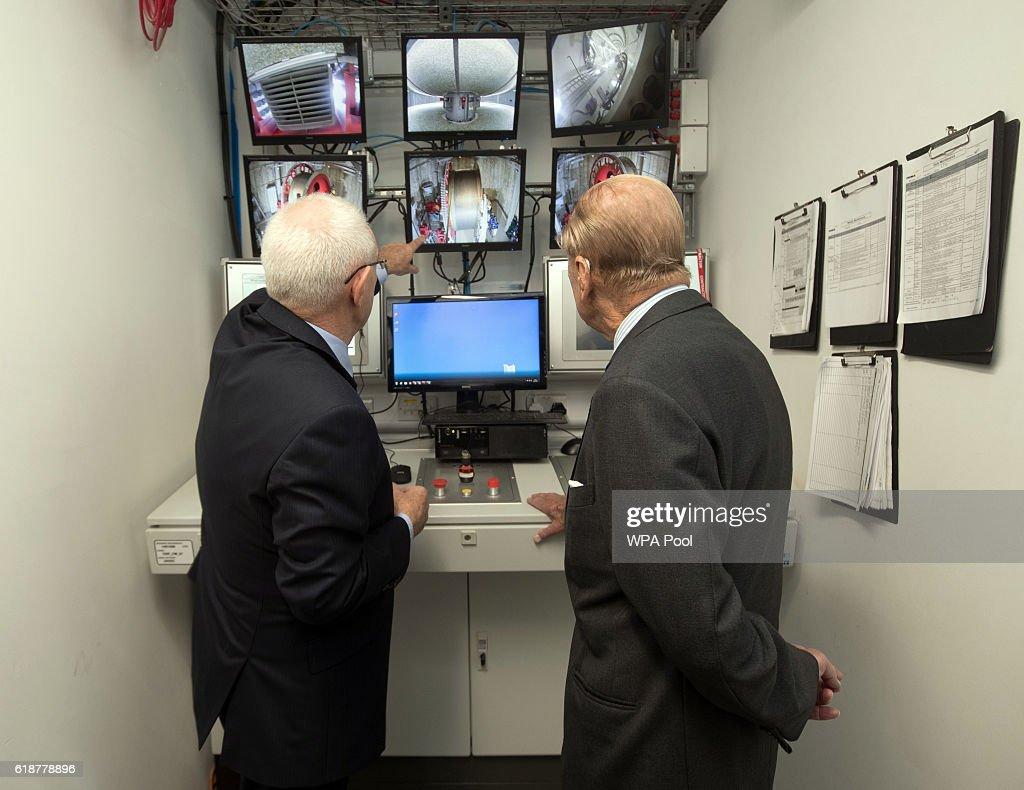 prince-philip-duke-of-edinburgh-talks-to-chief-engineer-dr-john-his-picture-id618778896