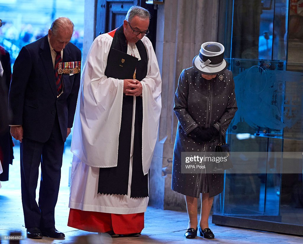 <a gi-track='captionPersonalityLinkClicked' href=/galleries/search?phrase=Prince+Philip&family=editorial&specificpeople=92394 ng-click='$event.stopPropagation()'>Prince Philip</a>, Duke of Edinburgh, The Dean of Westminster, Very Reverend Dr John Hall and Queen <a gi-track='captionPersonalityLinkClicked' href=/galleries/search?phrase=Elizabeth+II&family=editorial&specificpeople=67226 ng-click='$event.stopPropagation()'>Elizabeth II</a> bow after attending a Service on the Eve of the Centenary of the Battle of the Somme at Westminster Abbey on June 30, 2016 in London, United Kingdom.