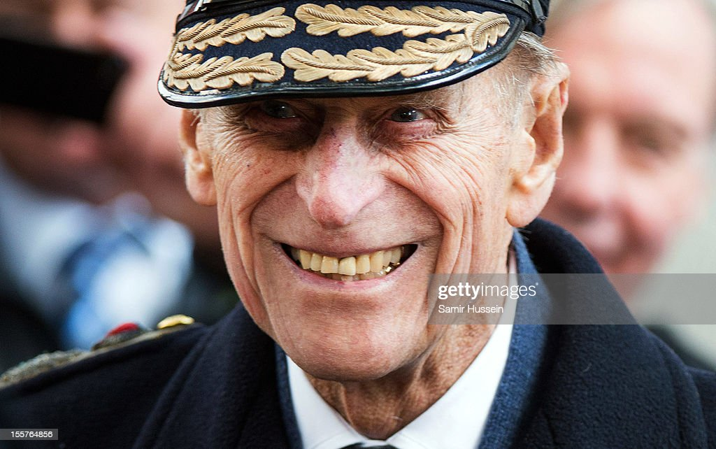 <a gi-track='captionPersonalityLinkClicked' href=/galleries/search?phrase=Prince+Philip&family=editorial&specificpeople=92394 ng-click='$event.stopPropagation()'>Prince Philip</a>, Duke of Edinburgh visits the Field of Remembrance at Westminster Abbey on November 8, 2012 in London, England.