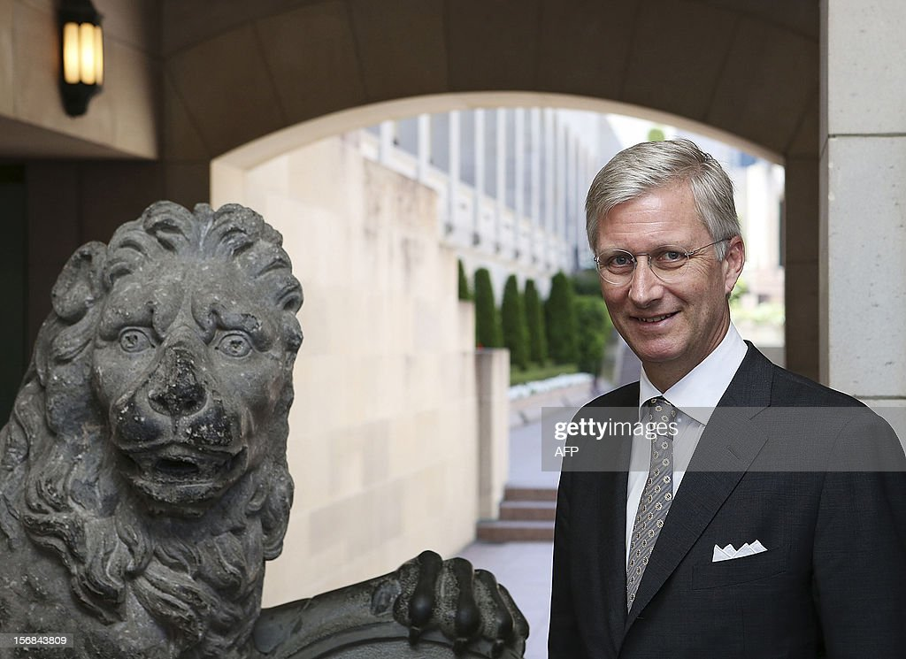 Prince Philippe of Belgium inspects the Menin Gate Lions inspects the Menin Gate Lions at the Australian War Memorial in Canberra on November 23, 2012. Philippe is on an 11-day mission to Australia and New Zealand to strengthen economic and trade ties. AFP PHOTO/POOL/Stefan POSTLES