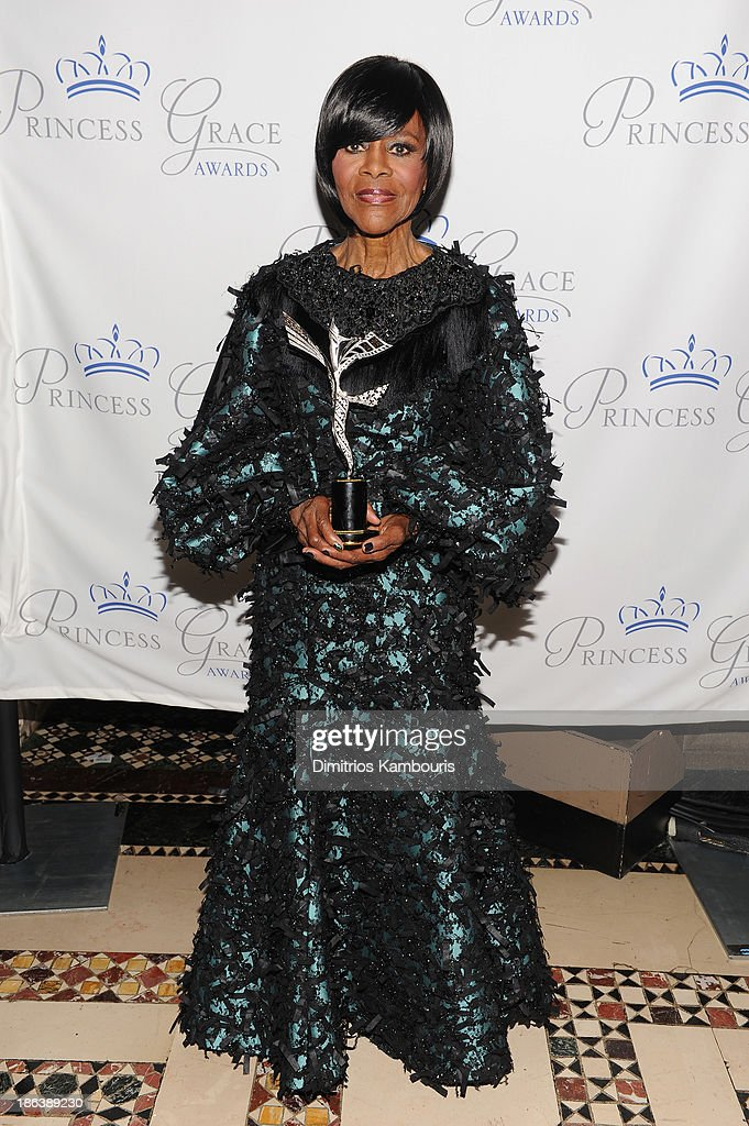 Prince Rainier III Award Recipient <a gi-track='captionPersonalityLinkClicked' href=/galleries/search?phrase=Cicely+Tyson&family=editorial&specificpeople=211450 ng-click='$event.stopPropagation()'>Cicely Tyson</a> attends the 2013 Princess Grace Awards Gala at Cipriani 42nd Street on October 30, 2013 in New York City.