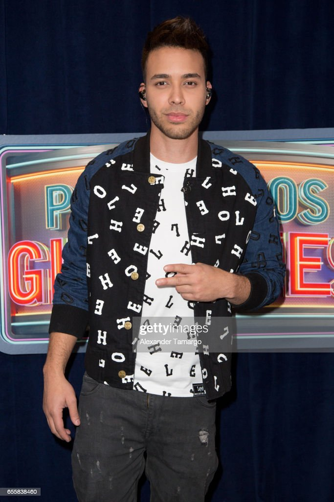 Prince Royce is seen on the set of 'Pequenos Gigantes USA' at Univision Studios on March 20, 2017 in Miami, Florida.