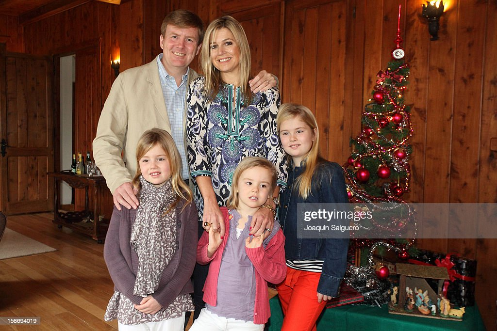 Prince Willem Alexander of Netherlands and Princess Maxima of Netherlands pose with their daughters Princess Alexia of Netherlands, <a gi-track='captionPersonalityLinkClicked' href=/galleries/search?phrase=Princess+Catharina-Amalia&family=editorial&specificpeople=765983 ng-click='$event.stopPropagation()'>Princess Catharina-Amalia</a> of Netherlands and Princess Ariane of Netherlands pose as the Dutch Royal family celebrate Christmas on December 23, 2012 in Villa la Angostura, Argentina.