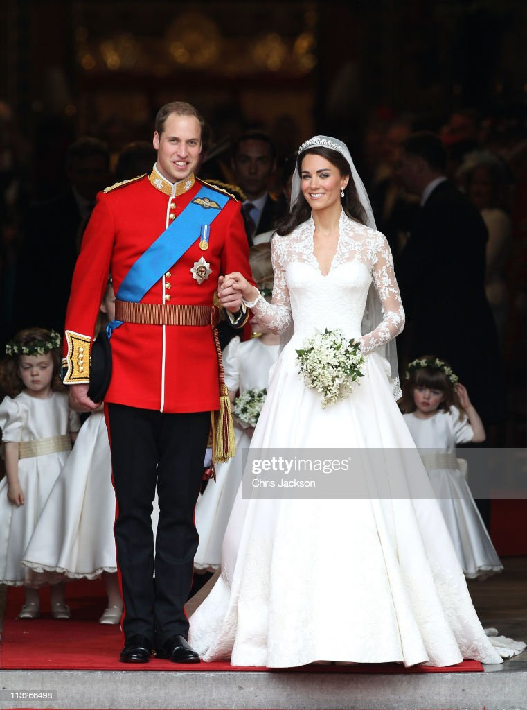 Prince William, Duke of Cambridge and <a gi-track='captionPersonalityLinkClicked' href=/galleries/search?phrase=Catherine+-+Herzogin+von+Cambridge&family=editorial&specificpeople=542588 ng-click='$event.stopPropagation()'>Catherine</a>, Duchess of Cambridge smile following their marriage at Westminster Abbey on April 29, 2011 in London, England. The marriage of the second in line to the British throne was led by the Archbishop of Canterbury and was attended by 1900 guests, including foreign Royal family members and heads of state. Thousands of well-wishers from around the world have also flocked to London to witness the spectacle and pageantry of the Royal Wedding.
