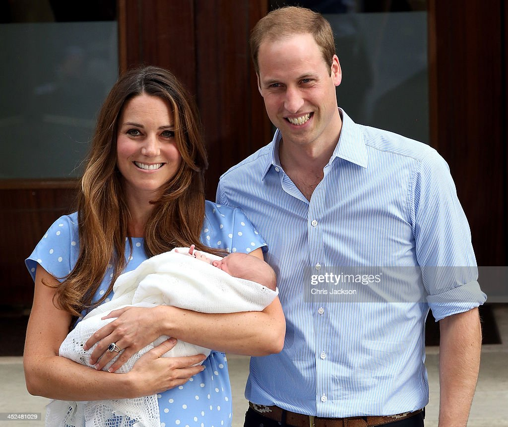 Prince William, Duke of Cambridge and <a gi-track='captionPersonalityLinkClicked' href=/galleries/search?phrase=Catherine+-+Hertiginna+av+Cambridge&family=editorial&specificpeople=542588 ng-click='$event.stopPropagation()'>Catherine</a>, Duchess of Cambridge, depart The Lindo Wing with their newborn son at St Mary's Hospital on July 23, 2013 in London, England. The Duchess of Cambridge yesterday gave birth to a boy at 16.24 BST and weighing 8lb 6oz, with Prince William at her side. The baby, as yet unnamed, is third in line to the throne and becomes the Prince of Cambridge.