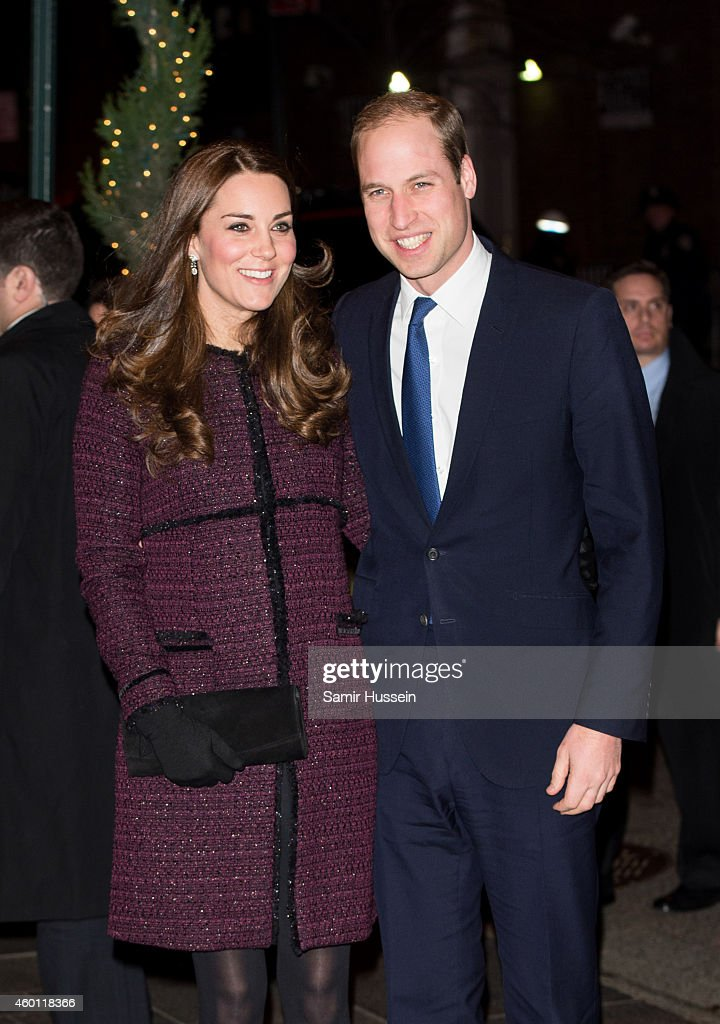 Prince William, Duke of Cambridge and <a gi-track='captionPersonalityLinkClicked' href=/galleries/search?phrase=Catherine+-+Hertiginna+av+Cambridge&family=editorial&specificpeople=542588 ng-click='$event.stopPropagation()'>Catherine</a>, Duchess of Cambridge arrive at The Carlyle Hotel, where they will be staying during their official two-day visit to the United States, on December 7, 2014 in New York City.