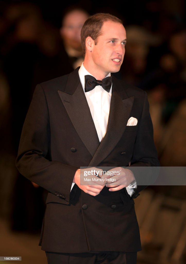 <a gi-track='captionPersonalityLinkClicked' href=/galleries/search?phrase=Prince+William&family=editorial&specificpeople=178205 ng-click='$event.stopPropagation()'>Prince William</a>, Duke of Cambridge attends the Royal Film Performance of 'The Hobbit: An Unexpected Journey' at Odeon Leicester Square on December 12, 2012 in London, England.