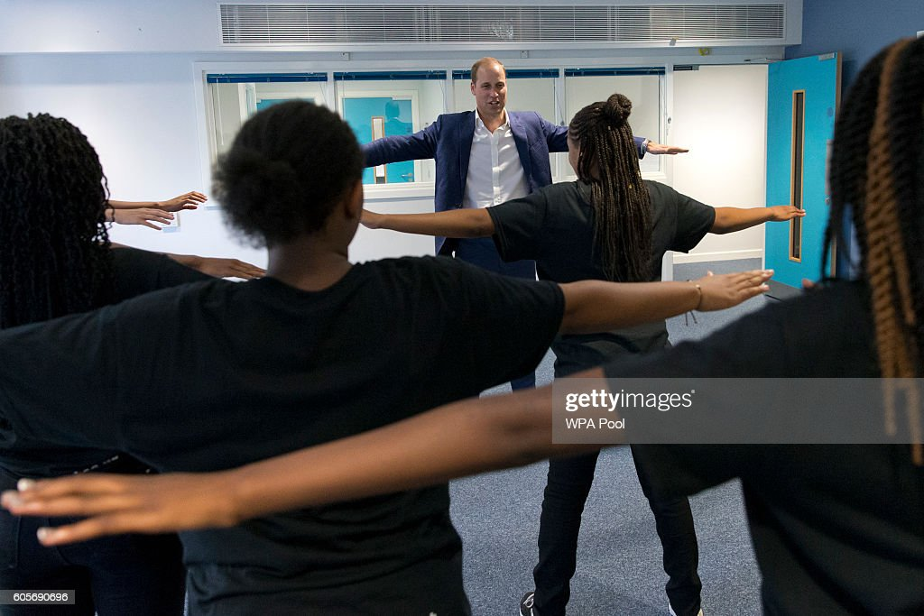 prince-william-duke-of-cambridge-learns-a-dance-move-with-scariofunk-picture-id605690696