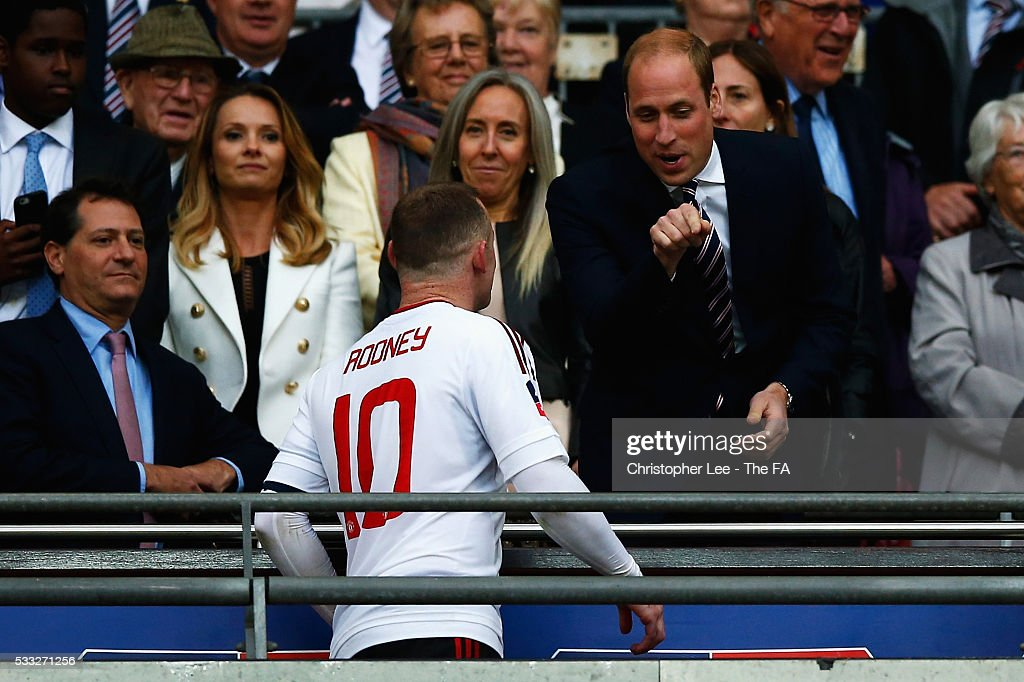 prince-william-duke-of-cambridge-talks-with-wayne-rooney-of-united-picture-id533271256