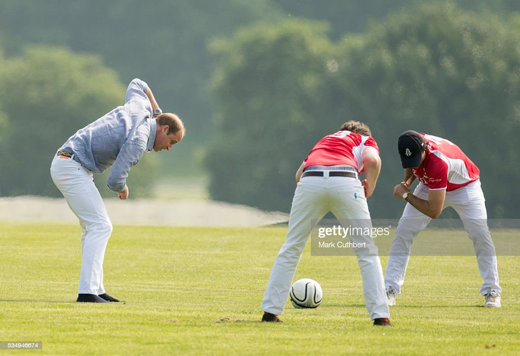 <a gi-track='captionPersonalityLinkClicked' href=/galleries/search?phrase=Prince+William&family=editorial&specificpeople=178205 ng-click='$event.stopPropagation()'>Prince William</a>, Duke of Cambridge warms up before The Audi Polo Challenge at Coworth Park on May 28, 2016 near Ascot, England.