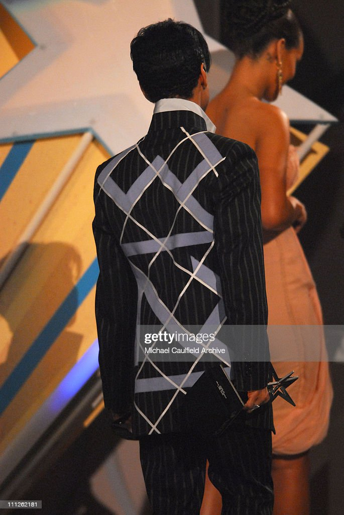 prince-winner-of-best-male-rb-artist-during-6th-annual-bet-awards-at-picture-id111262181