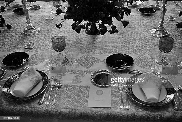 Princely Marriage Of Margrethe Of Denmark And Henri De Monpezat Juin 1967 DANEMARK lors du mariage de Margrethe et Henri de Monpezat Une table...