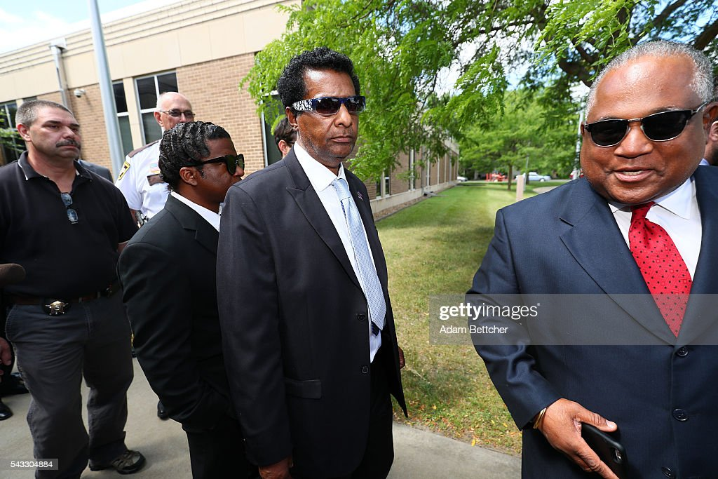 Prince's half-brother Alfred Jackson (center) walks out of the Carver County Justice Center on June 27, 2016 in Chaska, Minnesota. Prince died on April 21, 2016 at his Paisley Park compound at the age of 57.