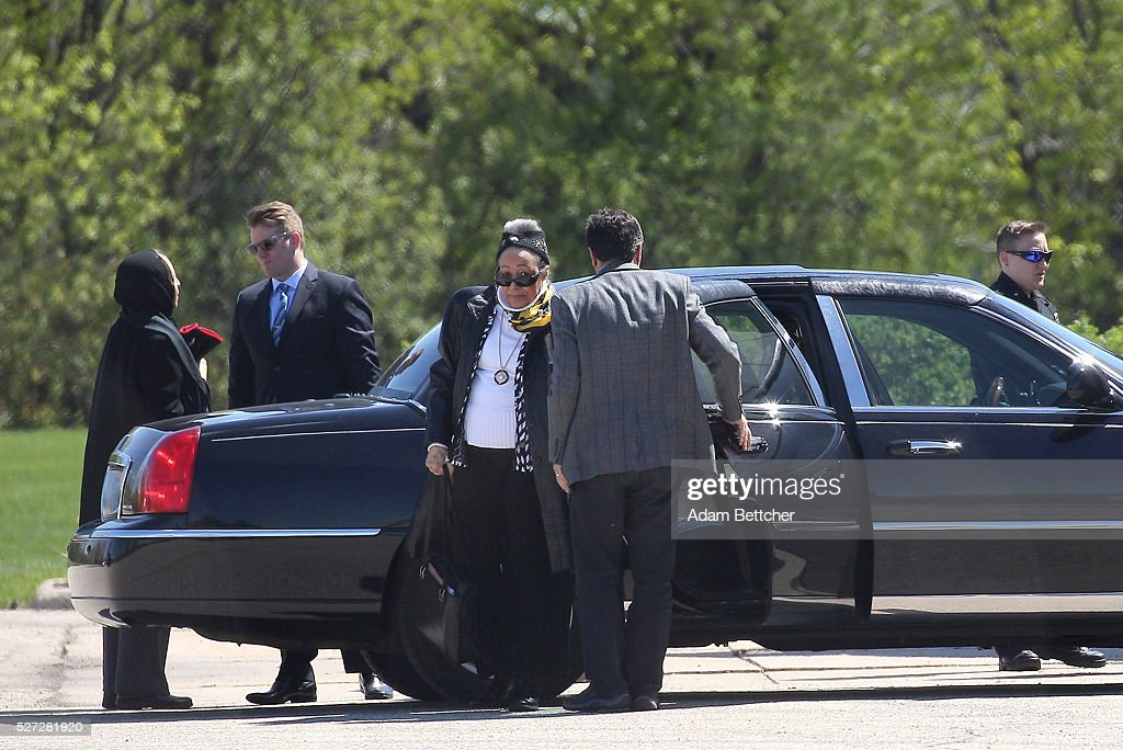 Prince's half-sisters Sharon Nelson and Norrine Nelson arrive at Paisley Park recording studio after attending a hearing on the estate of Prince Rogers Nelson on May 2, 2016 in Chanhassen, Minnesota. Prince died on April 21, 2016 at his Paisley Park compound at the age of 57.