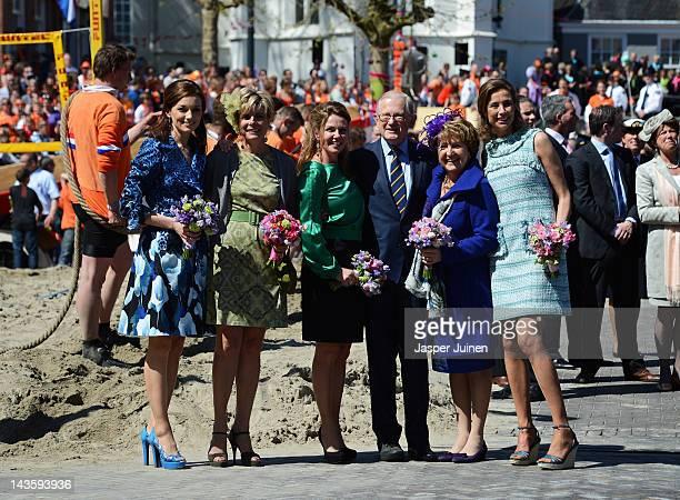 Princess Aimee of the Netherlands Princess Laurentien Princess Annette Professor Pieter van Vollenhoven Prinses Margriet en Princess Marilene pose...