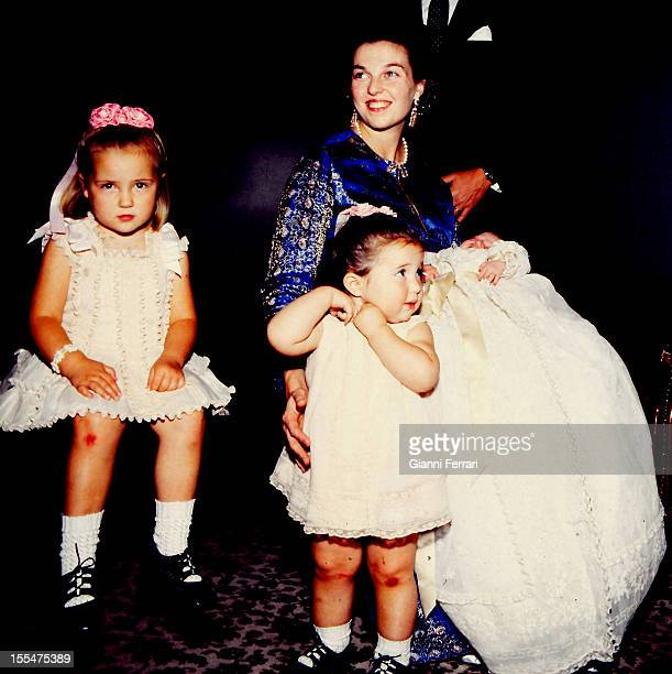 Princess Anne of Orleans daughter of the Counts of Paris Henry and Isabel on the birth of her third son Pedro with her other daughters Cristina and...