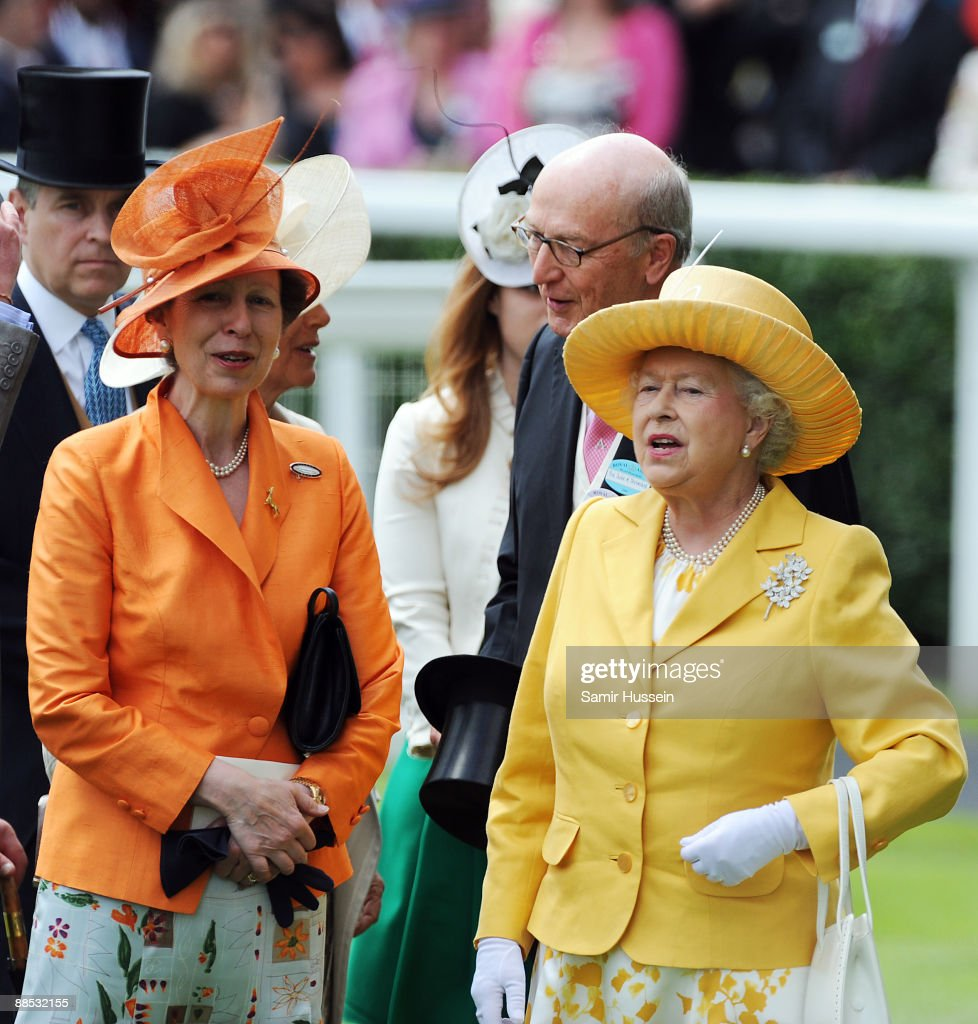 Princess Anne, Princess Royal (L) and Queen <a gi-track='captionPersonalityLinkClicked' href=/galleries/search?phrase=Elizabeth+II&family=editorial&specificpeople=67226 ng-click='$event.stopPropagation()'>Elizabeth II</a> attend the first day of Royal Ascot 2009 at Ascot Racecourse on June 16, 2009 in Ascot, England.