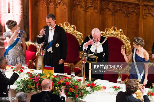 Princess Anne Princess Royal King Felipe VI of Spain Andrew Parmley Lord Mayor of London and Queen Letizia of Spain raise a toast as they attend the...