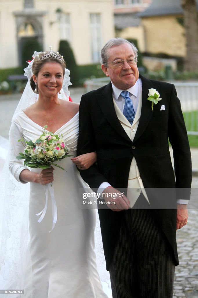 Princess Annemarie Gualtherie van Weezel and Prince Gualtherie van Weezel arrive for the Royal Wedding of Princess Annemarie Gualtherie van Weezel and Prince Carlos de Bourbon de Parme at Abbaye de la Cambre on November 20, 2010 in Brussels, Belgium.