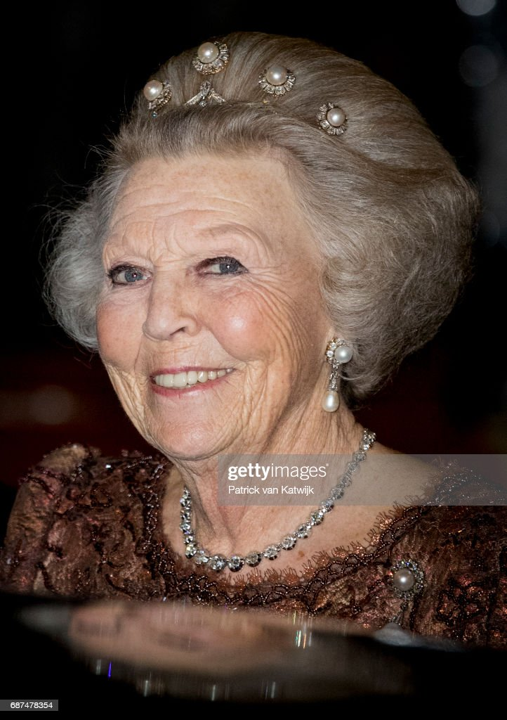 Princess Beatrix of The Netherlands leaves the royal palace after the gala dinner for the Corps Diplomatic on May 23, 2017 in Amsterdam, Netherlands.